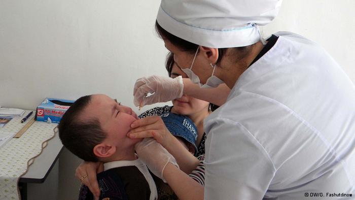 На приеме у врача в детской поликлинике