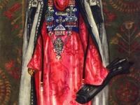 Старинный парадный костюм молодой женщины из Ленинабада, приготовившейся выйти из дома