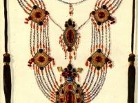 Х,айкал или зеби сина-нагрудное украшение таджичек равнинных районов