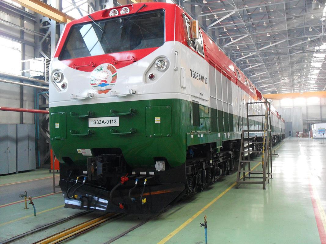 Железные дороги Таджикистана- магистральный тепловоз серии ТЭ33А, 2012 год. Фото Сергея Волошина (с) http://trainpix.org/
